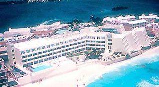 Flamingo Cancun Resort